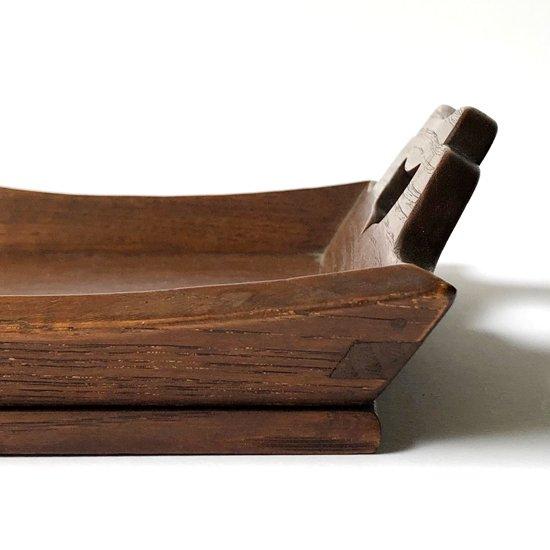吉田璋也がデザインをした、鳥取民芸木工製作による古い運び盆