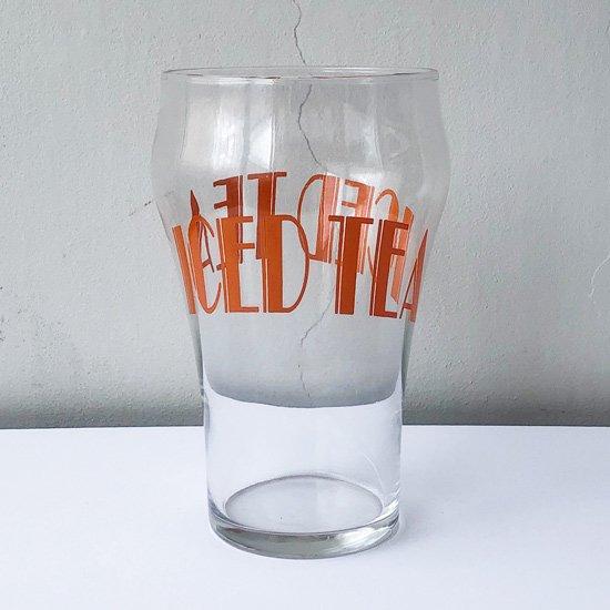 その大きさとポップなデザインのタイポグラフィーが目を惹くアメリカの古いグラス