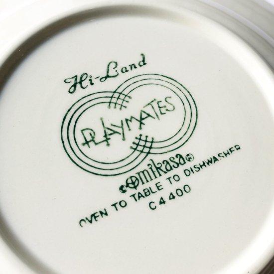 ブランド名とシリーズ名のロゴ、シリーズによってそれぞれ異なる書体やデザインが用意されていました