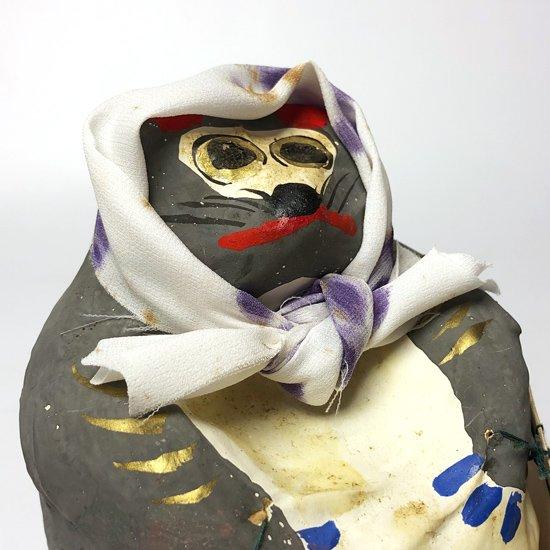 香川県文化功労者の認定を受けた 宮内フサさん(1883-1985) による 高松張子 の大きなたぬき