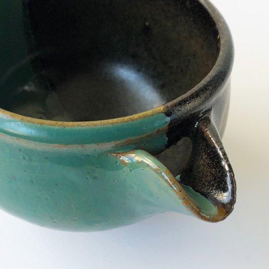民藝と強いつながりを持つ鳥取の民窯 牛ノ戸焼 の染分片口