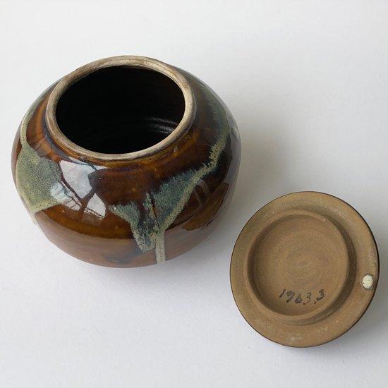 釉薬の質感やハリのあるかたちなど、作りの良い小鹿田焼の古い小壺