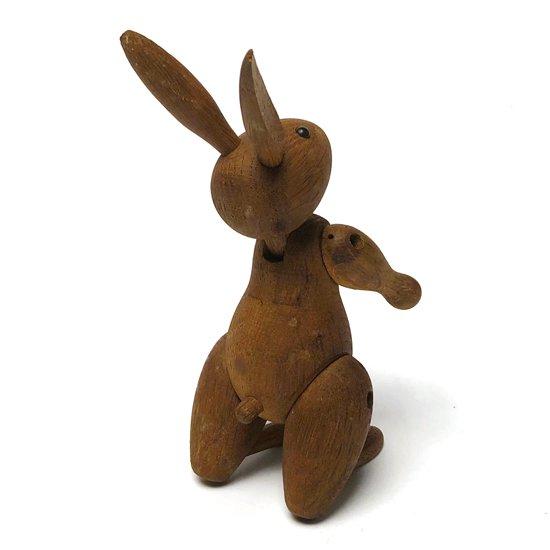 カイ・ボイスンが1957年にデザインをした木製のおもちゃ『Rabit』