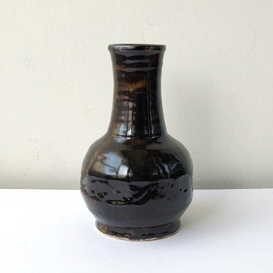 陶芸家 武内晴二郎 による鐡砂花瓶