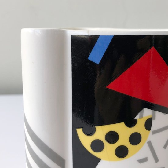 セラミックメーカー 加藤工芸 による1980年代のマグカップ