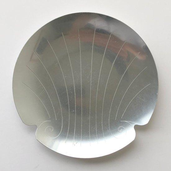 1940年代ごろに輸出用に日本で生産されていたアルミ製のトレイ