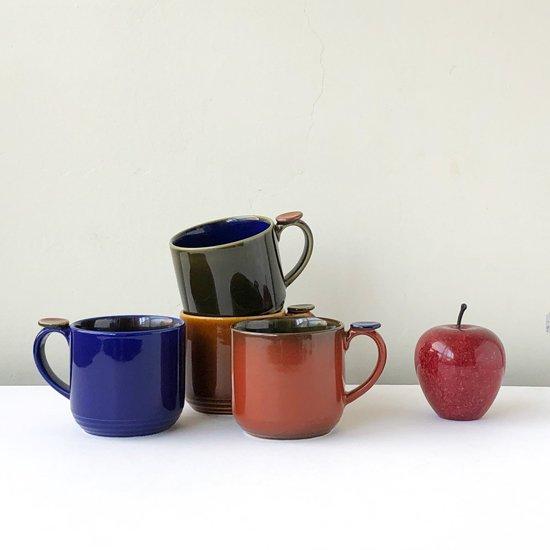 他のカラーリング、約9cmのリンゴと並べて