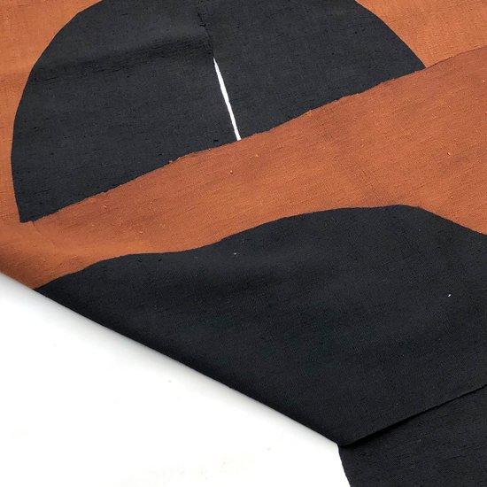 山内染色工房: のれん『楕円』/ 茶 × 濃紺