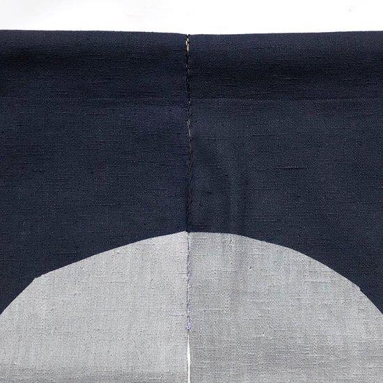 山内染色工房: のれん『楕円』/ 濃紺 × 墨灰