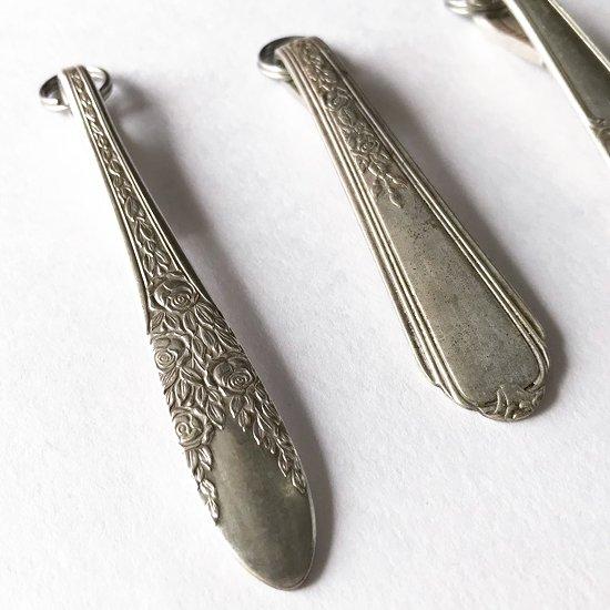 ヴィンテージのスプーンを使って作られた、アメリカ製のスプーンキーリング