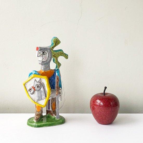 高さ約9cmのりんごを並べて
