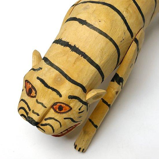 メキシコのオアハカを代表するフォークアート ウッドカービング の虎