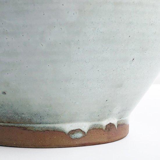 民藝と強いつながりを持つ鳥取の民窯 牛ノ戸焼の花瓶