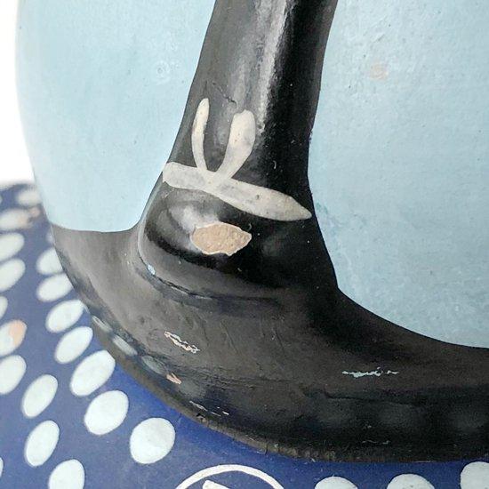 経年による黒ずみ、塗装の剥がれ、カケなど見られます