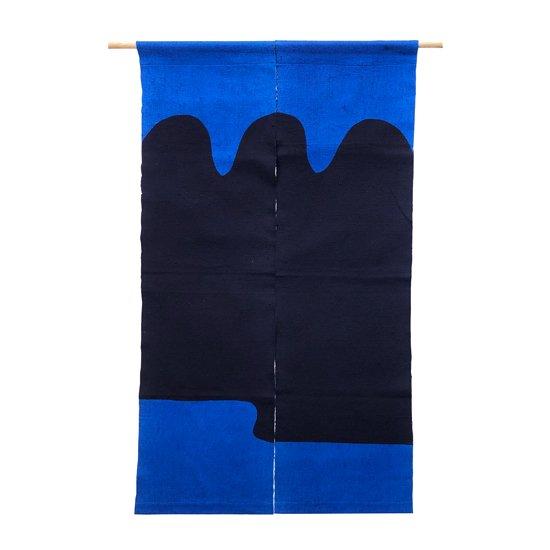 山内染色工房: のれん『『山に裾雲波』/ 青 × 濃紺