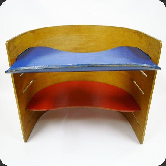 ヴィンテージ家具 Kristian Vedel/ Kids Chair:3つのパーツのみからなるチェアは可動式となっており、容易に高さを調整できます