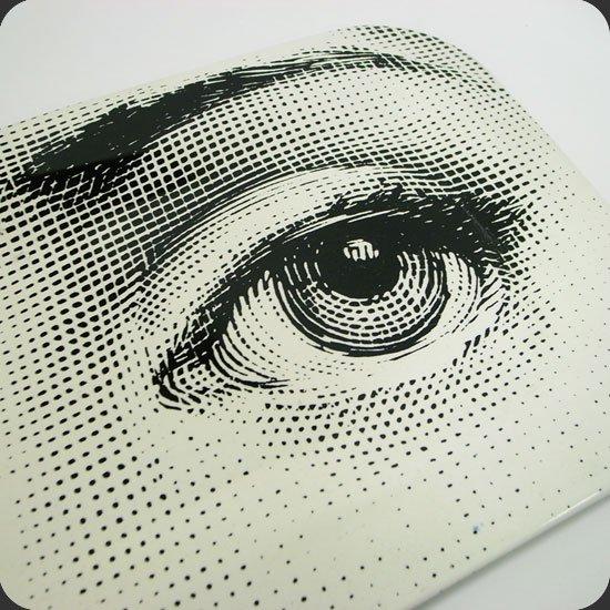 ヴィンテージアイテム Piero Fornasetti/Tray:代表作と言える女性の顔のシリーズは非常に貴重なもの