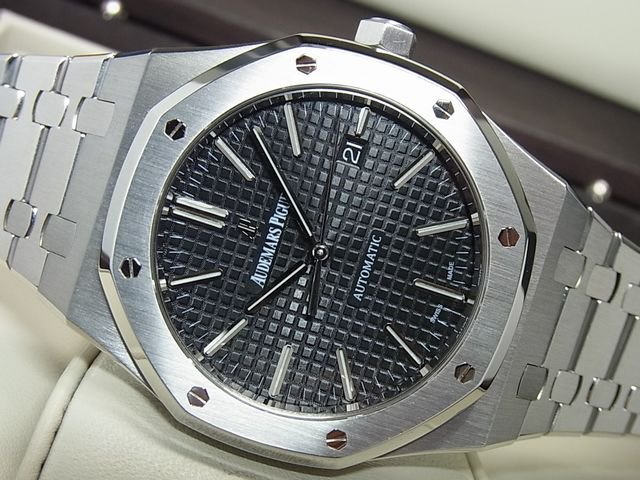 big sale ccef0 a2c35 オーデマピゲ ロイヤルオーク 41MM 黒 15400ST 正規品 - 腕時計専門店THE-TICKEN(ティッケン) オンラインショップ