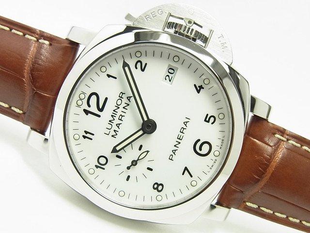 パネライ ルミノール1950・3DAY'S 42MM ホワイト PAM00523