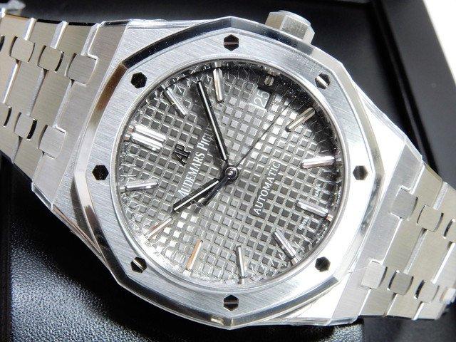 オーデマ・ピゲ ロイヤルオーク37MM ルテニウムグレー 15450ST 正規未使用