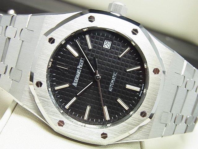 オーデマ・ピゲ ロイヤルオーク 39MM 黒 15300ST 正規品
