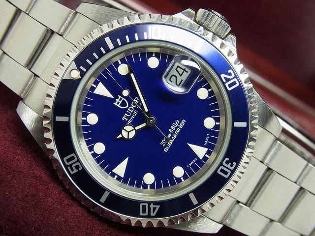 newest 33270 e4d47 チュードル サブマリーナ・デイト ブルー Ref.79190 - 腕時計 ...