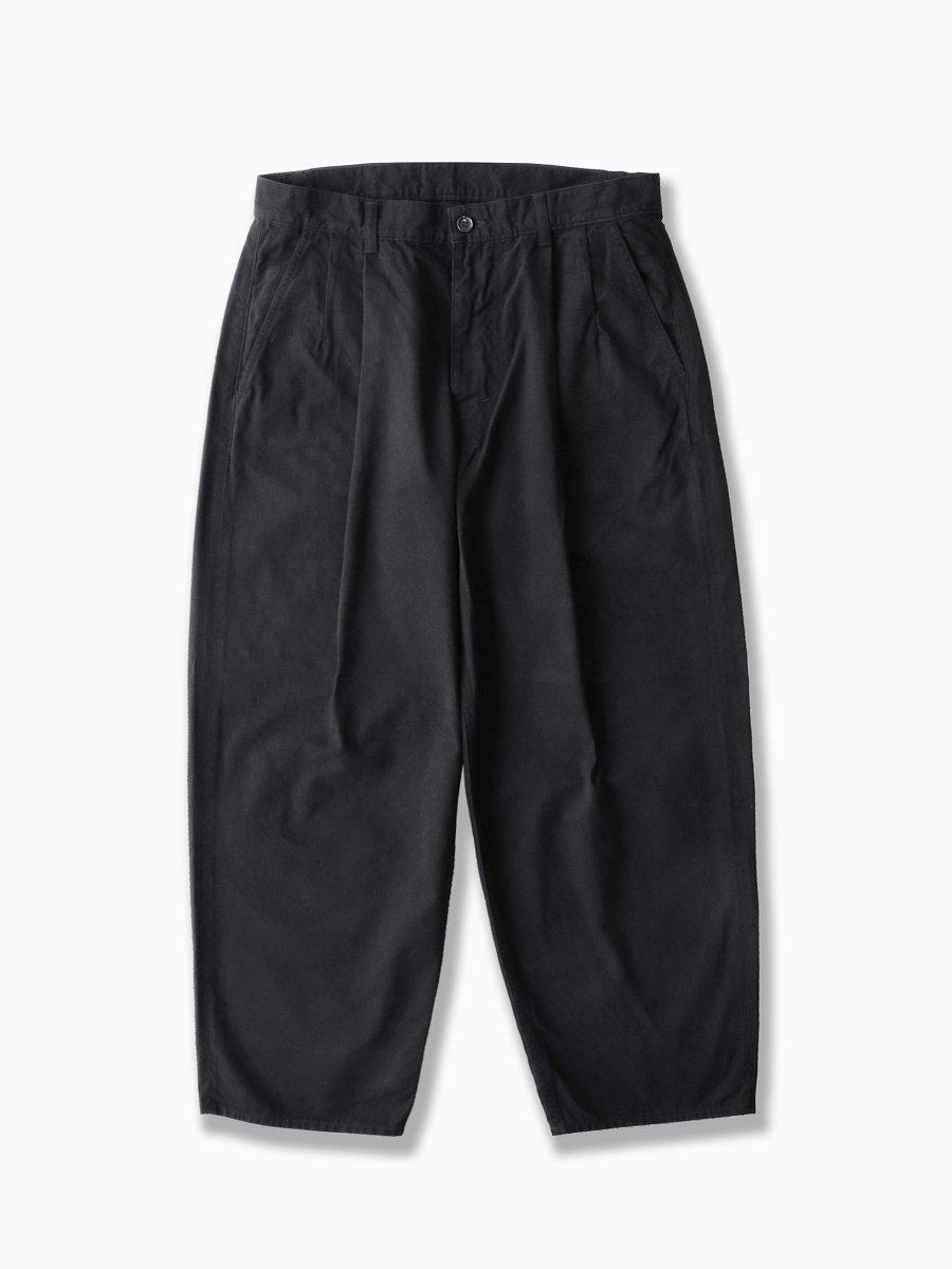 BRAND : Graphpaper<br>MODEL : MILITARY CLOTH 2TUCKS PANTS<br>COLOR : BLACK