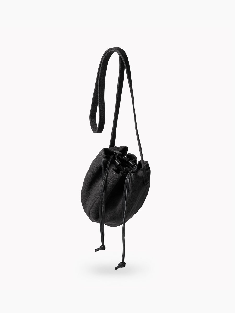 BRAND : PHIGVEL<br>MODEL : DRAWSTRING BAG S<br>COLOR : CARBON