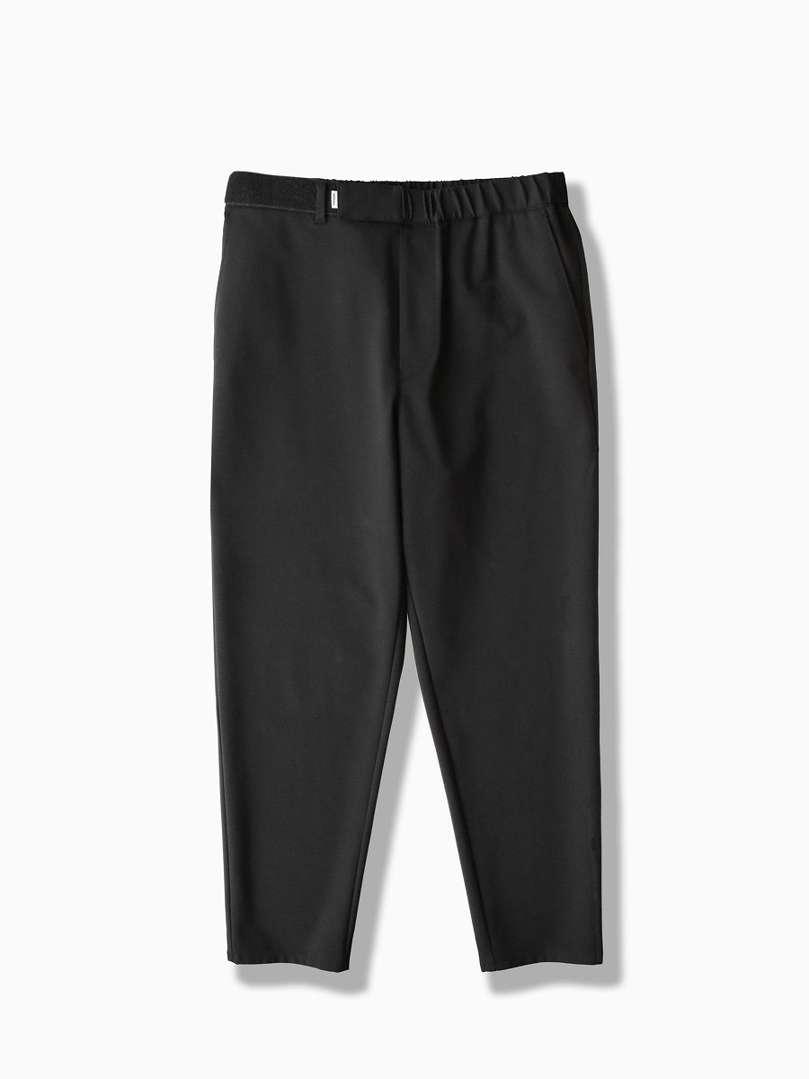 BRAND : Graphpaper<br>MODEL : COMPACT PONTE SLIM CHEF PANT<br>COLOR : BLACK
