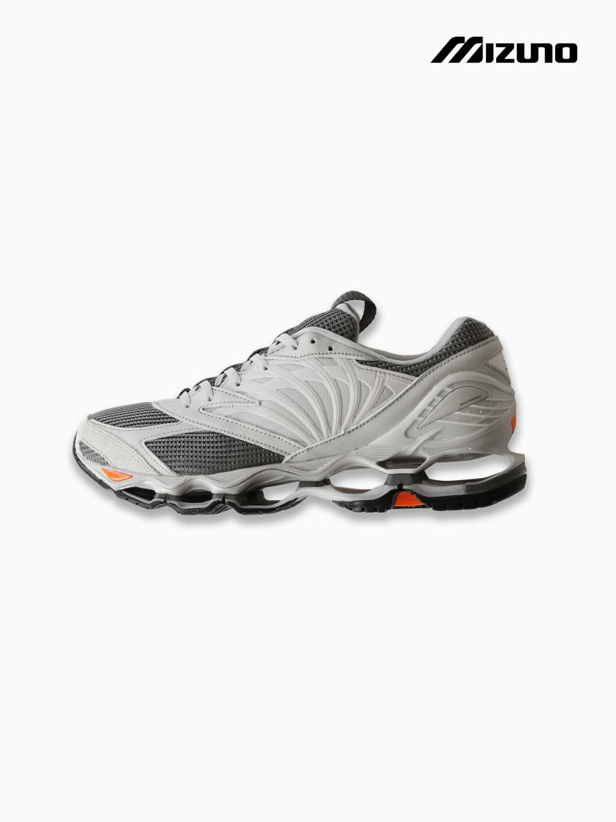 BRAND : Graphpaper<br>CONNECTED : MIZUNO<br>MODEL : WAVE PROPHECY<br>COLOR : GRAY