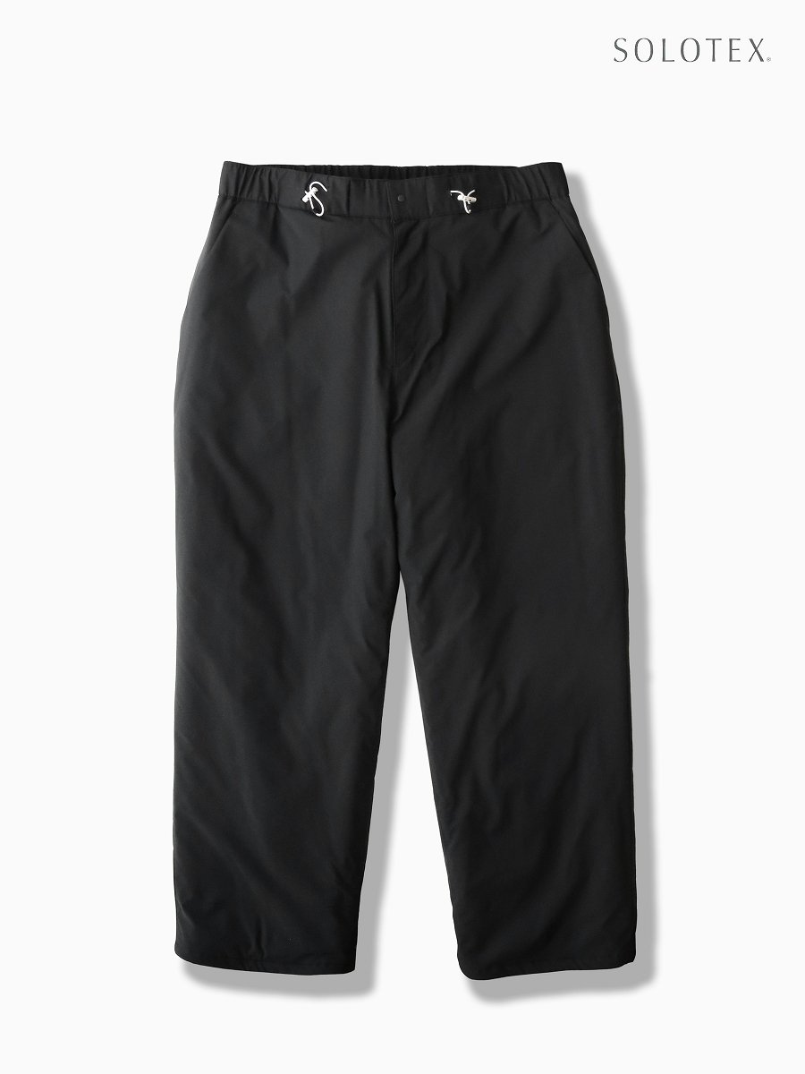 BRAND : Graphpaper<br>MODEL : SOLOTEX TAFFETA INSULATION PANTS<br>COLOR : BLACK