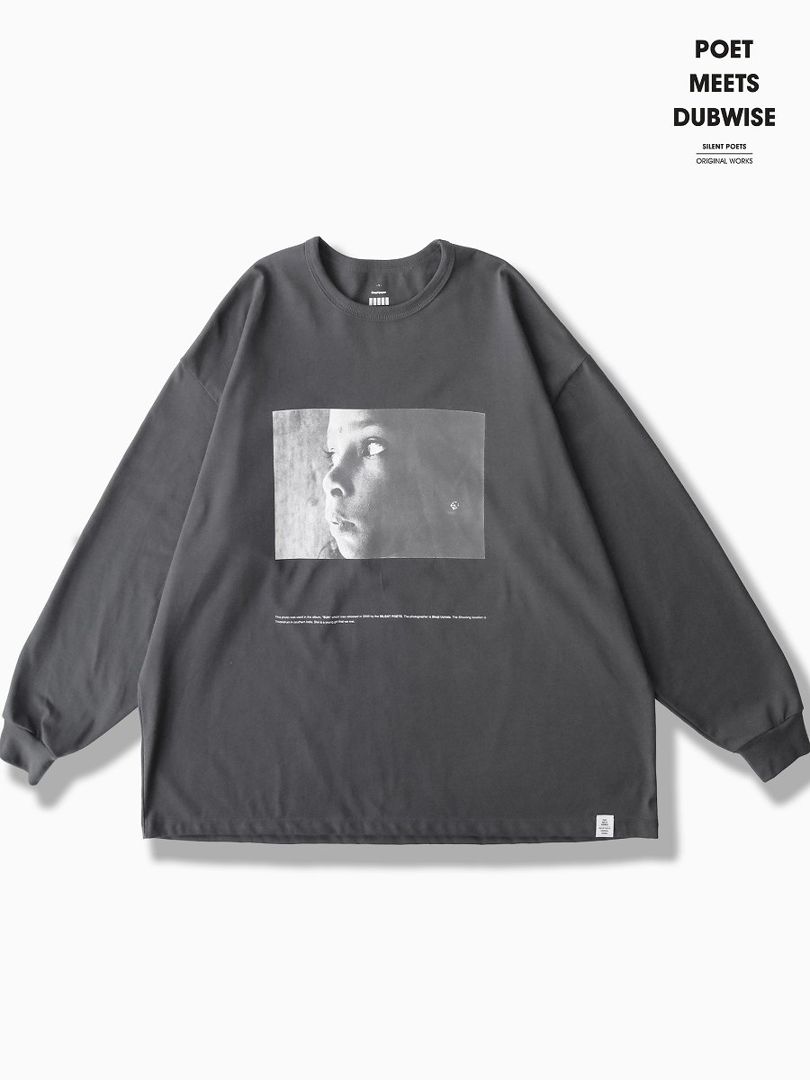 BRAND : Graphpaper<br>MODEL : Poet Meets Dubwise for GP JERSEY L/S TEE SUN<br>COLOR : GRAY