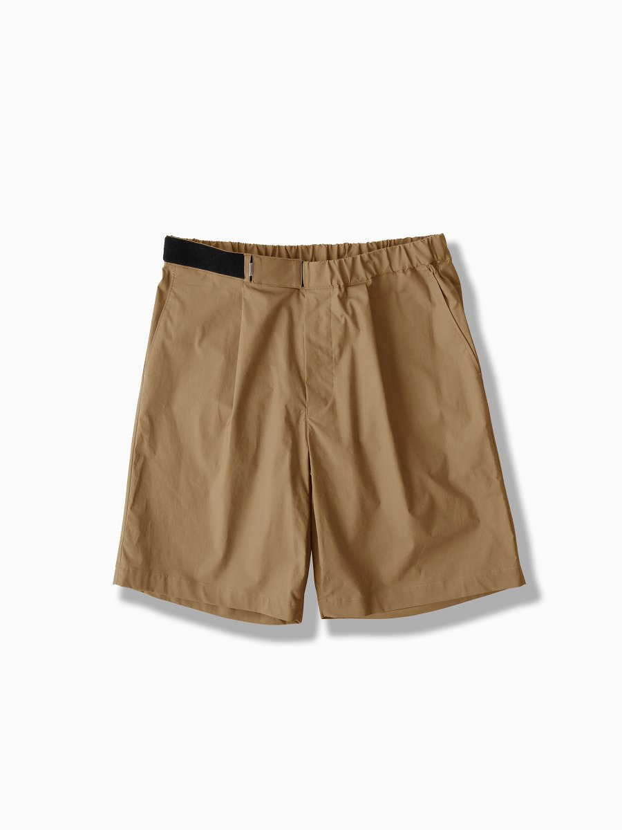 BRAND : Graphpaper<br>MODEL : STRETCH TYPEWRITER WIDE CHEF SHORTS<br>COLOR : BEIGE