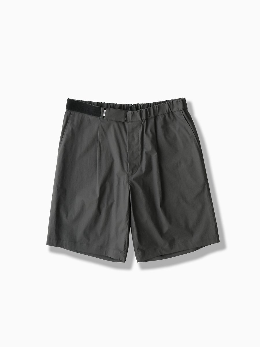 BRAND : Graphpaper<br>MODEL : STRETCH TYPEWRITER WIDE CHEF SHORTS<br>COLOR : GRAY