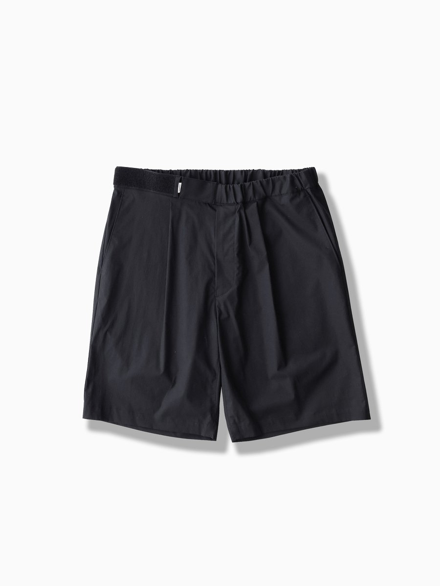 BRAND : Graphpaper<br>MODEL : STRETCH TYPEWRITER WIDE CHEF SHORTS<br>COLOR : NAVY