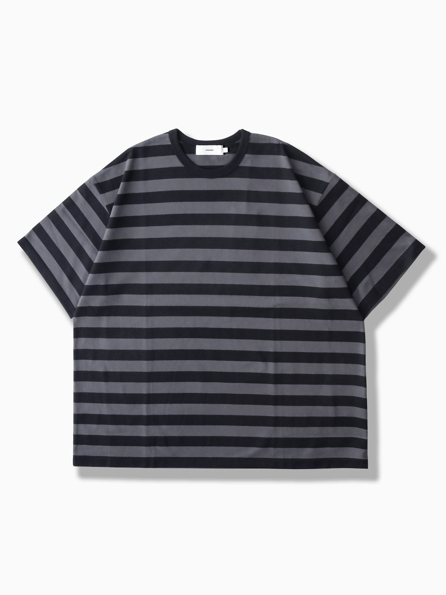 BRAND : Graphpaper<br>MODEL : BORDER S/S TEE<br>COLOR : C.GRAY×BLACK
