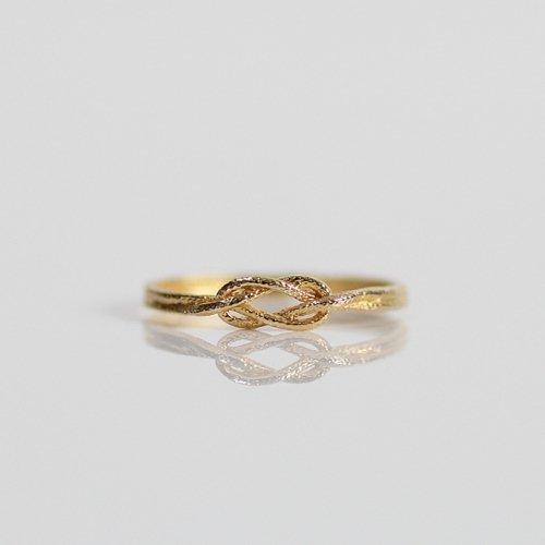 moca.arpeggio(モカ アルペジオ) / CR-8 Knot 飾り結びリング - ゴールド