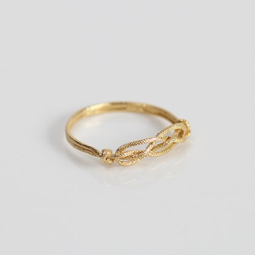 moca.arpeggio(モカ アルペジオ) / CR-10 Knot 飾り結びリング - ゴールド