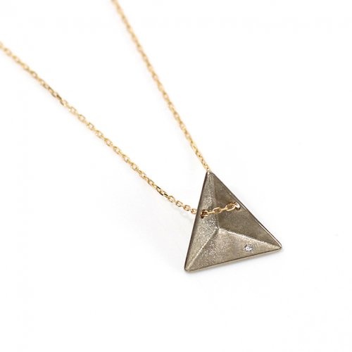revie objects(レヴィオブジェクツ) / PY3-02 〈PYRAMID〉 ▲necklace ピラミッド サンカクネックレス