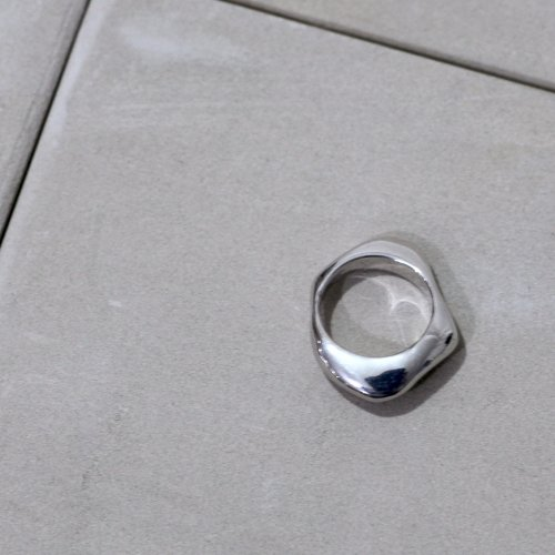 MIKU FUKAMITSU(ミク フカミツ) / 水溜りのリング L (silver925) - シルバー