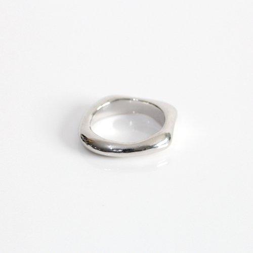 MIKU FUKAMITSU(ミク フカミツ) / 水溜りのリング S  / (シルバー  / silver925)