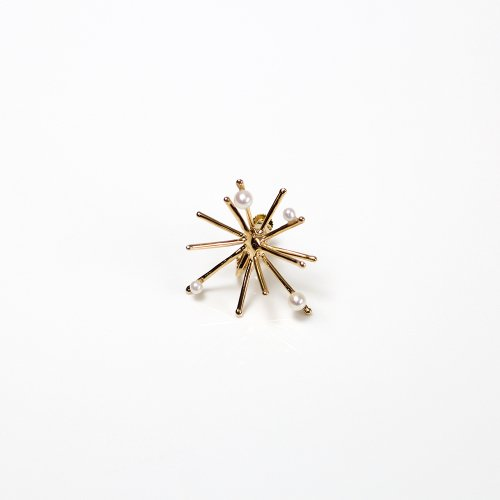 Lamie(ラミエ) / 00127E_パールspaekM_GD / K18GP ゴールド Pearl Spark Gold イヤリングM / パール付き (片耳タイプ)