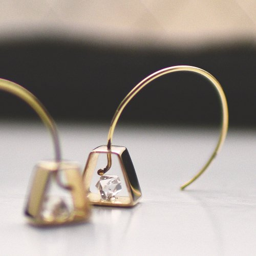 revie objects(レヴィオブジェクツ) / IN2-10 〈INSIDE〉 House earring ハウスピアス - ゴールド