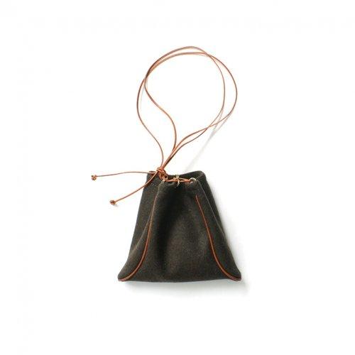 【完売】MARROW(マロウ) / MELTON PILLOW メルトン ウール 巾着型ハンドバッグ - カーキ