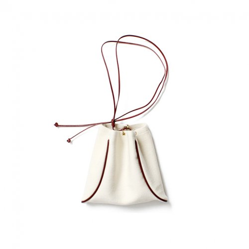 【完売】MARROW(マロウ) / BLANKET PILLOW ウール 巾着型ハンドバッグ - オフホワイト