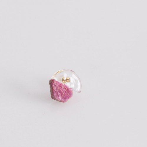 Luce macchia(ルーチェマッキア) / ruby in the rough glass ルビー イン ザ ラフ ガラス ピアス (片耳タイプ)