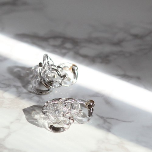 Luce macchia / surge ring pierce platinum / サージ リング ピアス プラチナ (両耳タイプ)<img class='new_mark_img2' src='//img.shop-pro.jp/img/new/icons7.gif' style='border:none;display:inline;margin:0px;padding:0px;width:auto;' />