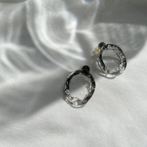 Luce macchia / mobius pierce platinum / メビウス ピアス プラチナ (両耳タイプ)<img class='new_mark_img2' src='//img.shop-pro.jp/img/new/icons7.gif' style='border:none;display:inline;margin:0px;padding:0px;width:auto;' />