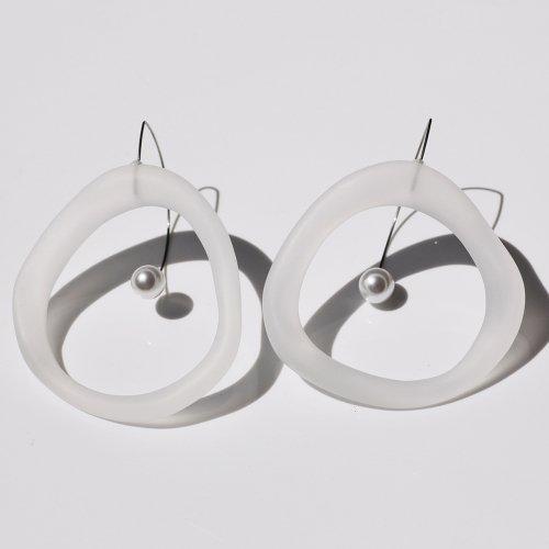 Iria Ashimine(イリア アシミネ) / CIRCLE' Transparent ピアス - MATTE