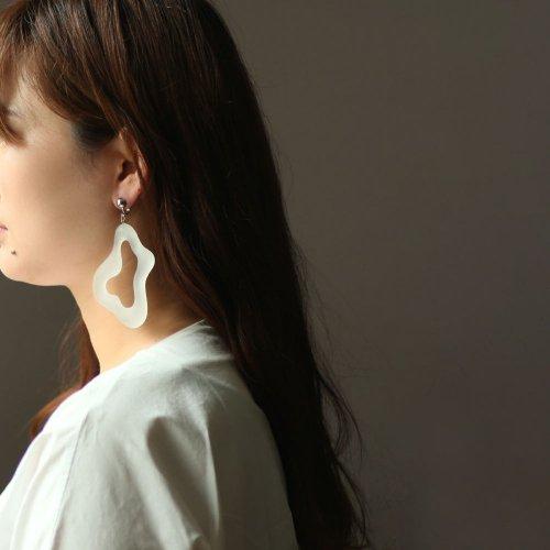 Iria Ashimine(イリア アシミネ) / Pacific oyster イヤリング - MATTE